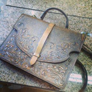Гравировка кожанных сумок в подарок, Uslugi4u