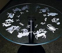 Гравировка стеклянного стола на заказ в Uslugi4u